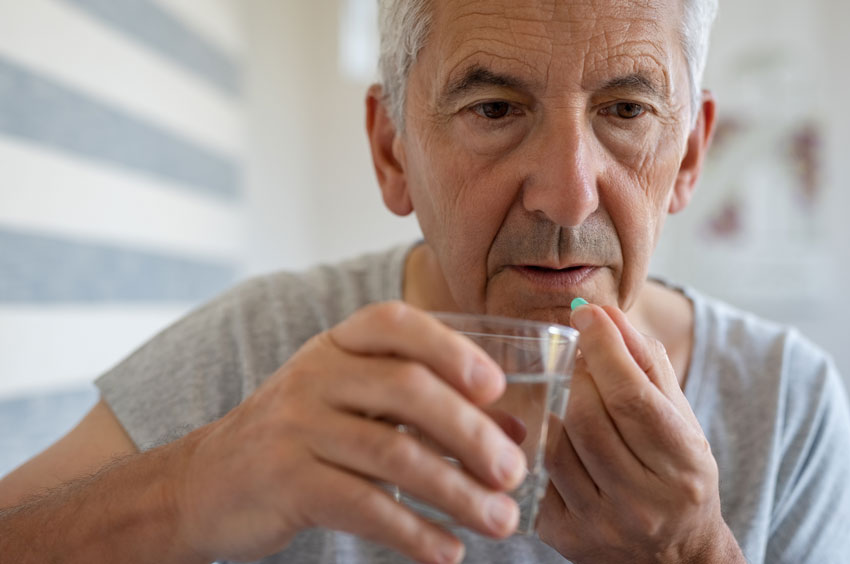 6 Issues for Seniors Using Opioids